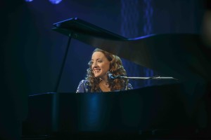 Abby Mueller in Beautiful, The Carole King Musical. Photo by Joan Marcus.